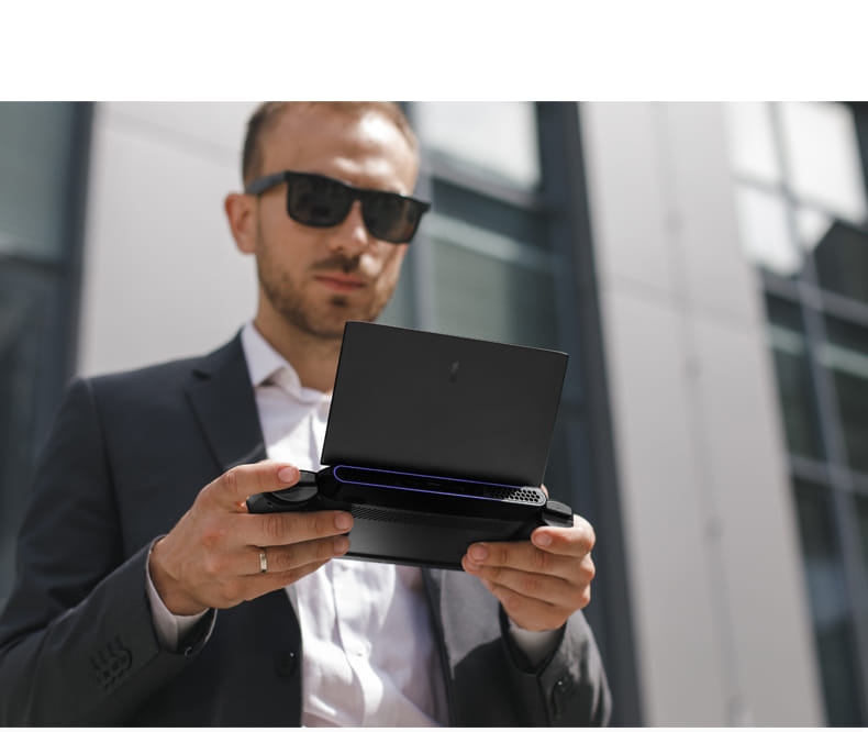 """One Netbook One-GX1 Pro 7"""" Gaming Laptop Mobile Workstation 11th Gen i7 16GB RAM 512GB SSD"""